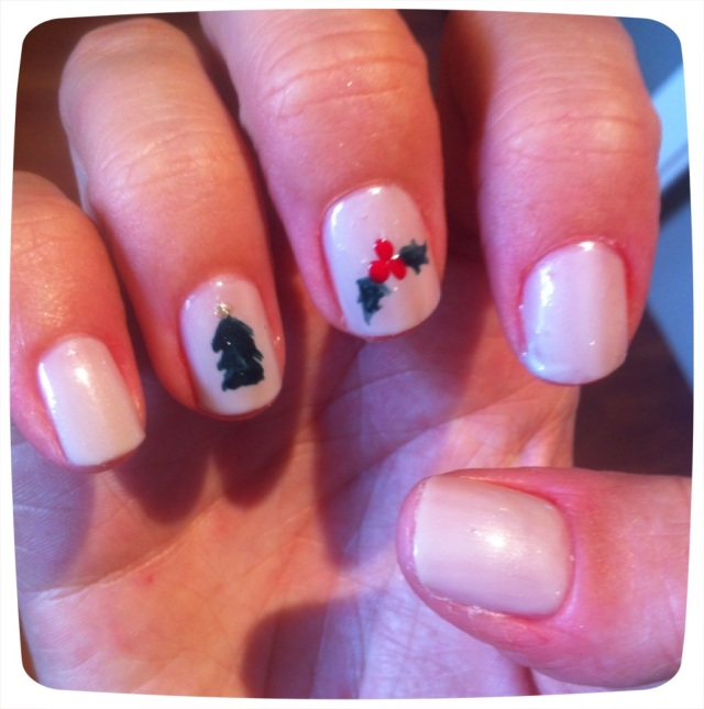 Christmas tree and holly nails